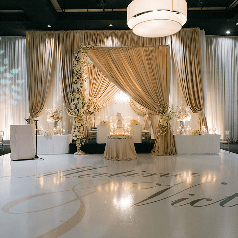 Weddings wedding decor toronto rachel a clingen wedding for Backdrops decoration