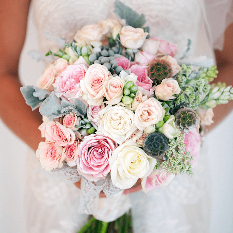 Luxurious and lavish floral wedding bouquets in Toronto.