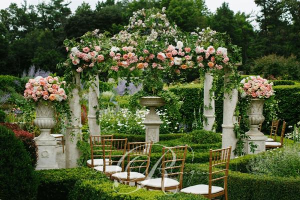 An Elegant Outdoor Wedding In Toronto Ontario: Toronto Garden Wedding Greener Flowers