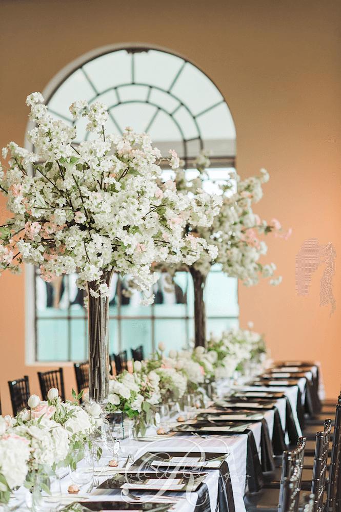 Centerpieces wedding decor toronto rachel a clingen for Wedding reception centrepieces
