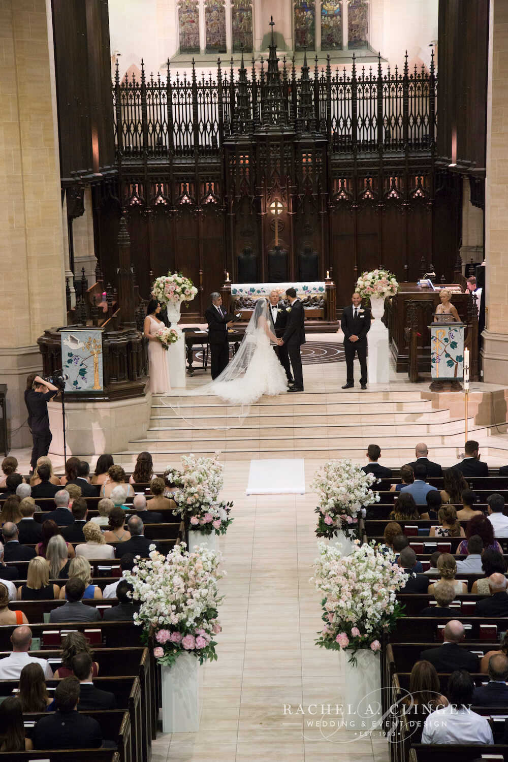 metropolitan-united-church-weddings-flowers