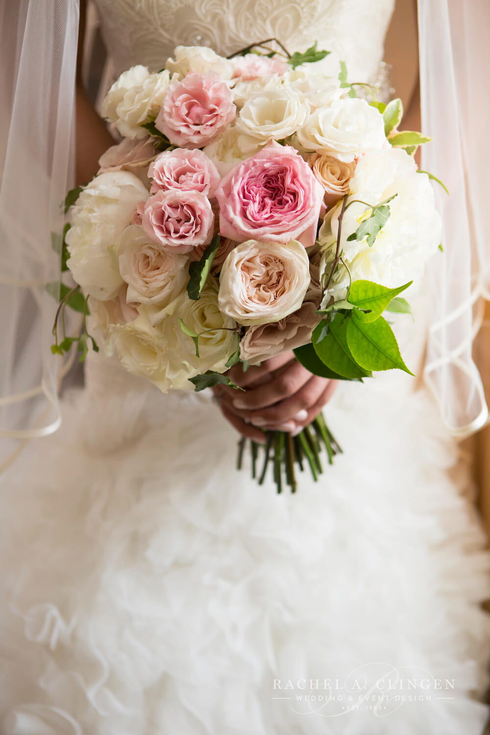 Wedding bouquets garden roses wedding decor toronto rachel a clingen wedding event design - Garden rose bouquet ...