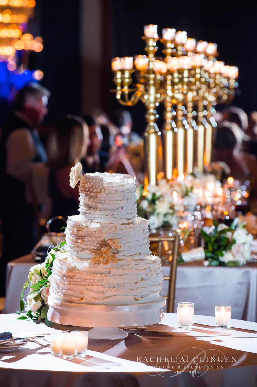 ivory-cream-wedding-cake