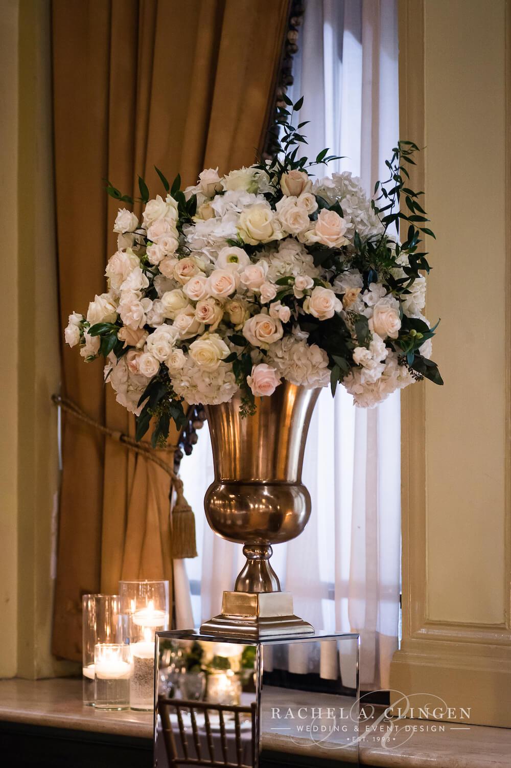 wedding-flowers-gold-ivory