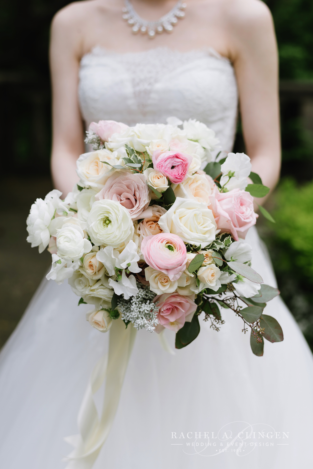 rachel-a-clingen-wedding-flowers