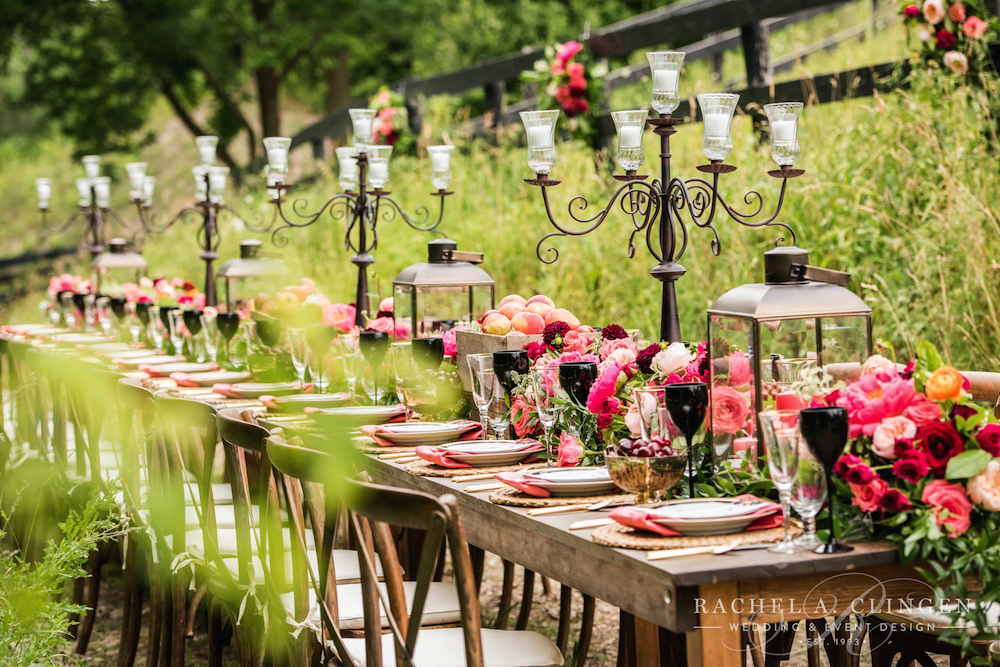 rustic-wedding-decor-flowers