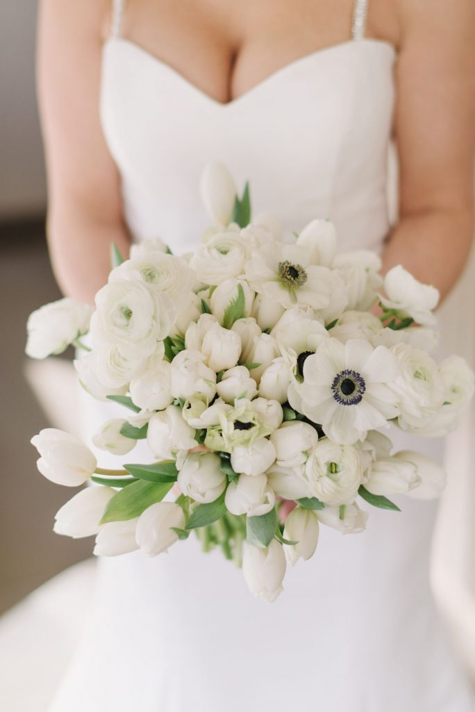 black white wedding flowerws