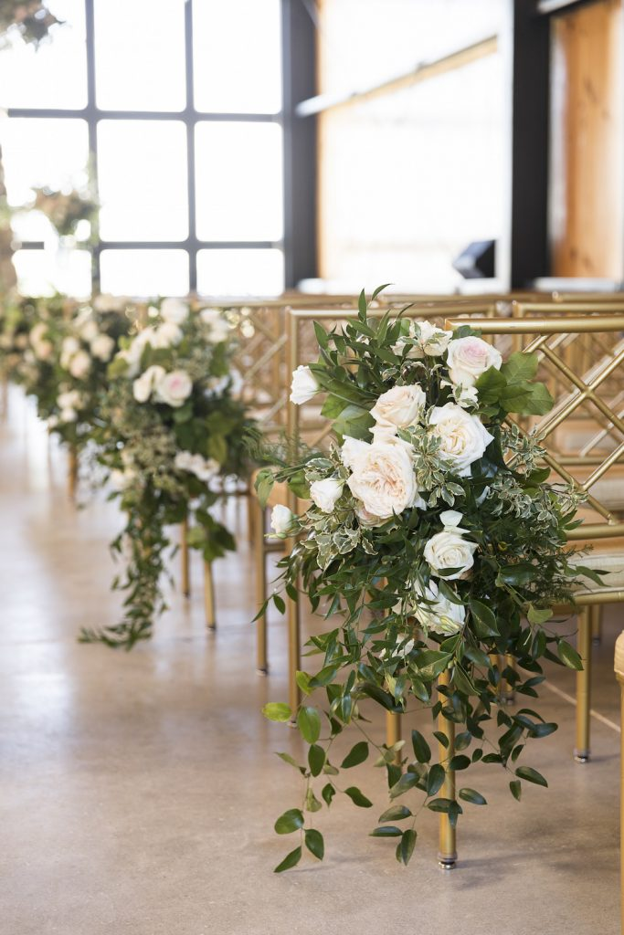 ceremony flowers aisle decor