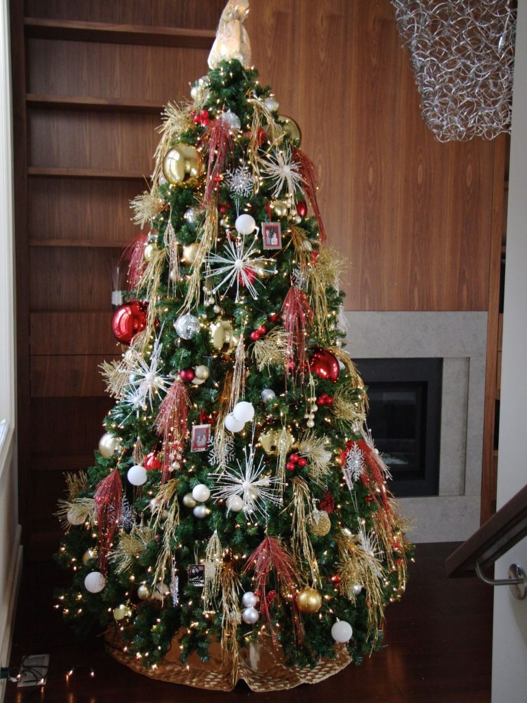 christmas tree decorating home toronto 1