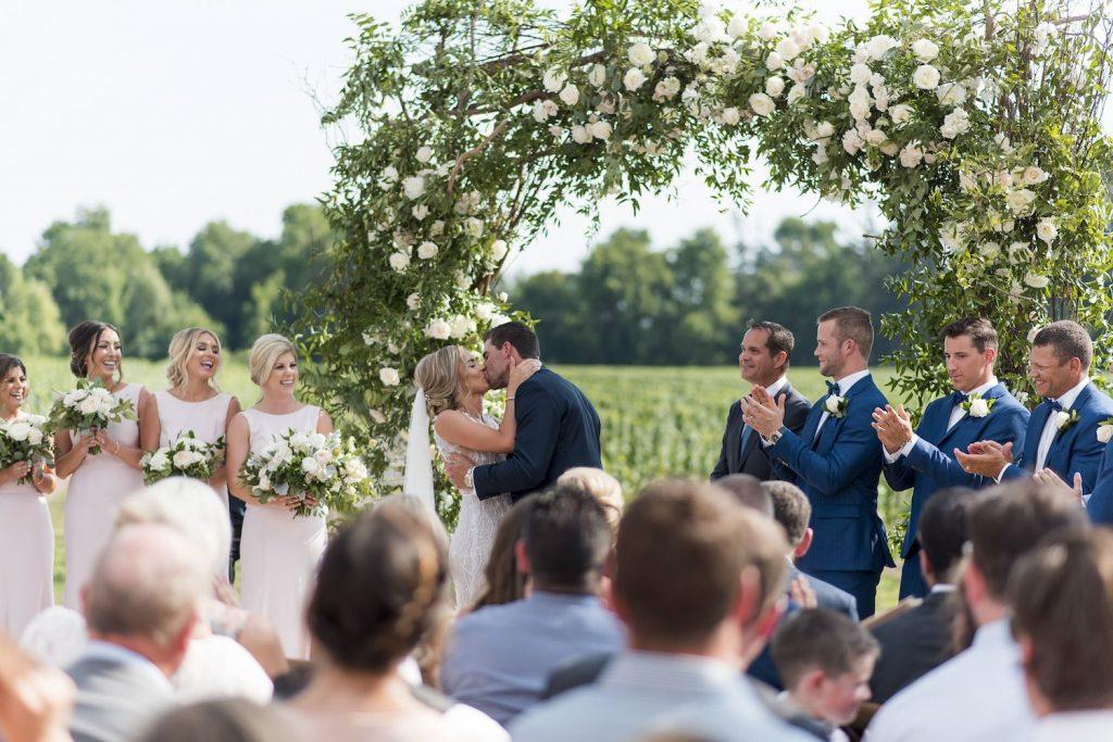 luxury wedding flowers niagara