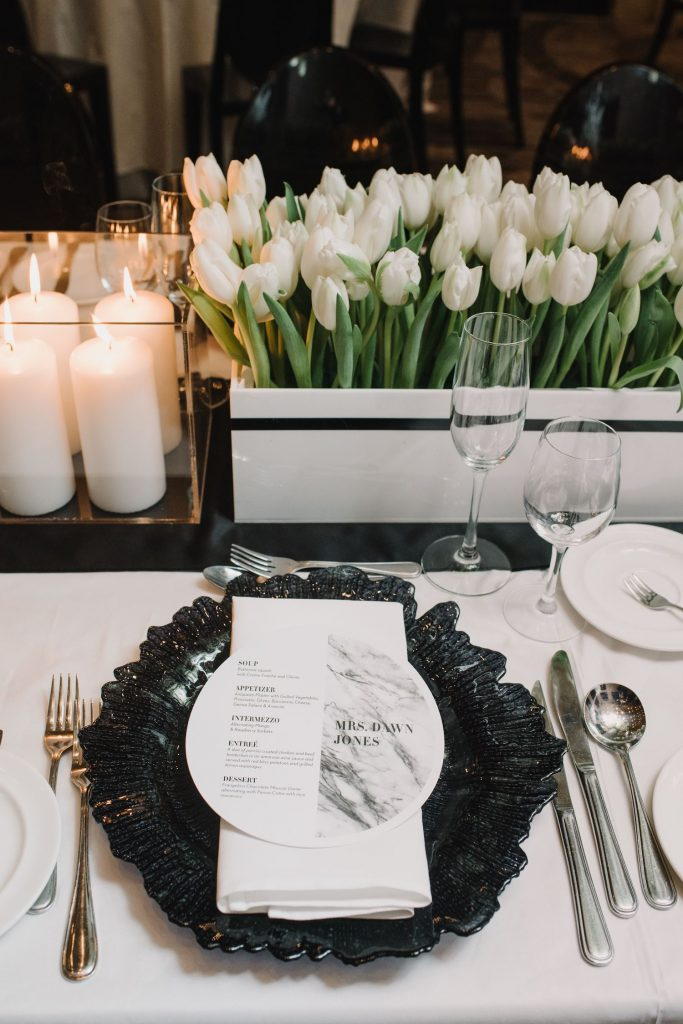 luxury wedding flowers placesetting