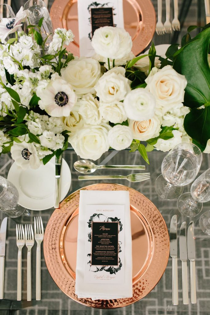 modern place setting wedding