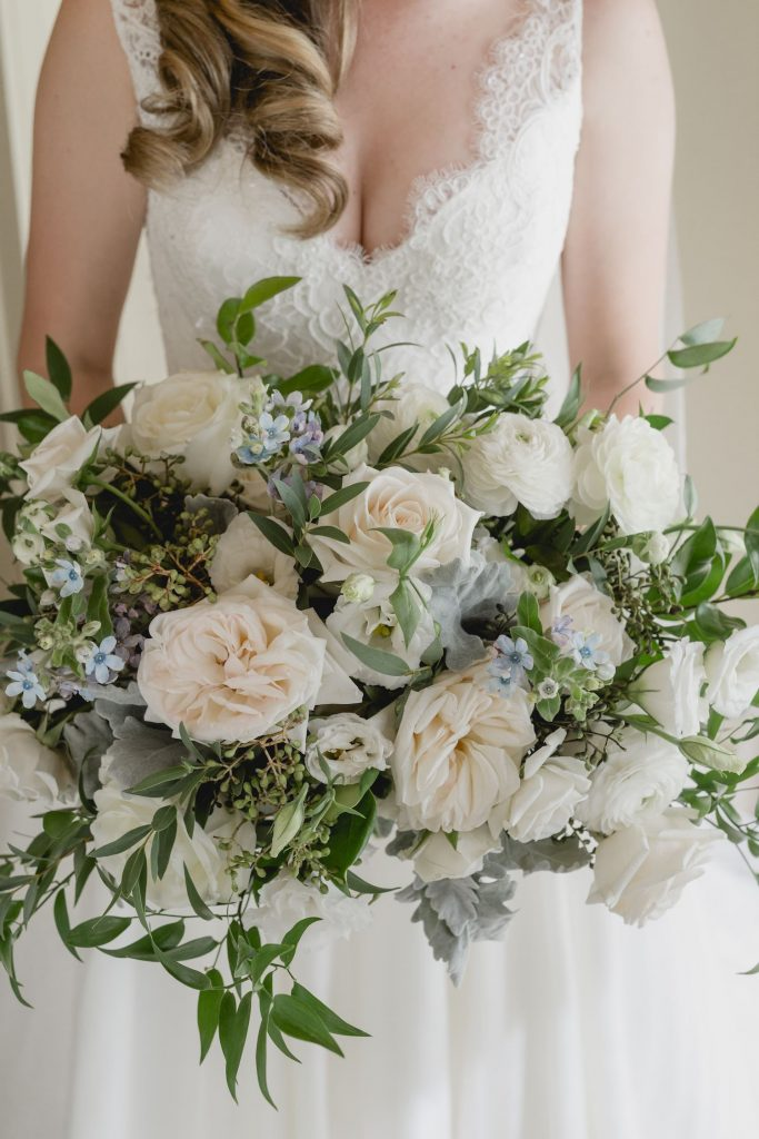 muskoka wedding bouquet cream blue 1
