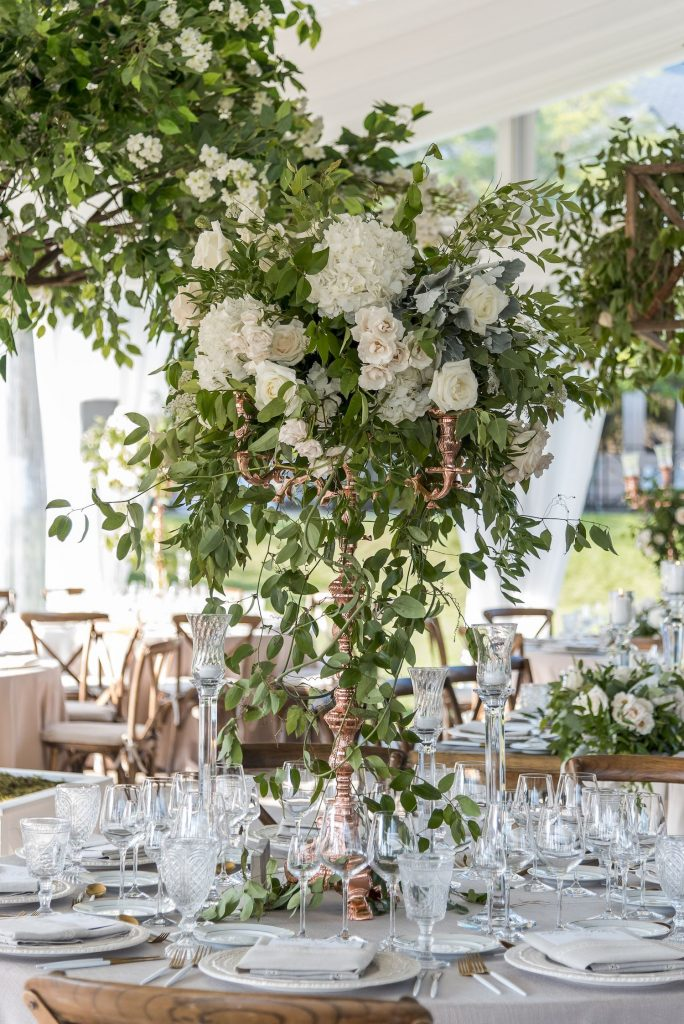 niagara wedding flowers candelabra
