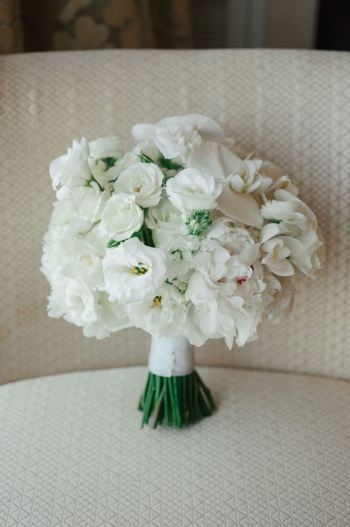 white bridal boquets
