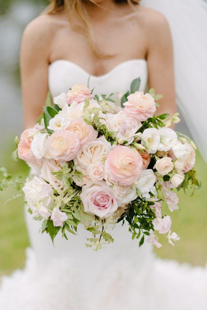 blush ivory wedding flowers toronto rachel a clingen