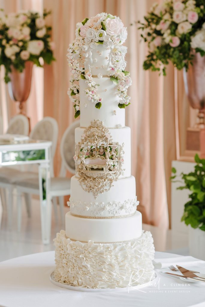 luxury wedding cake imp