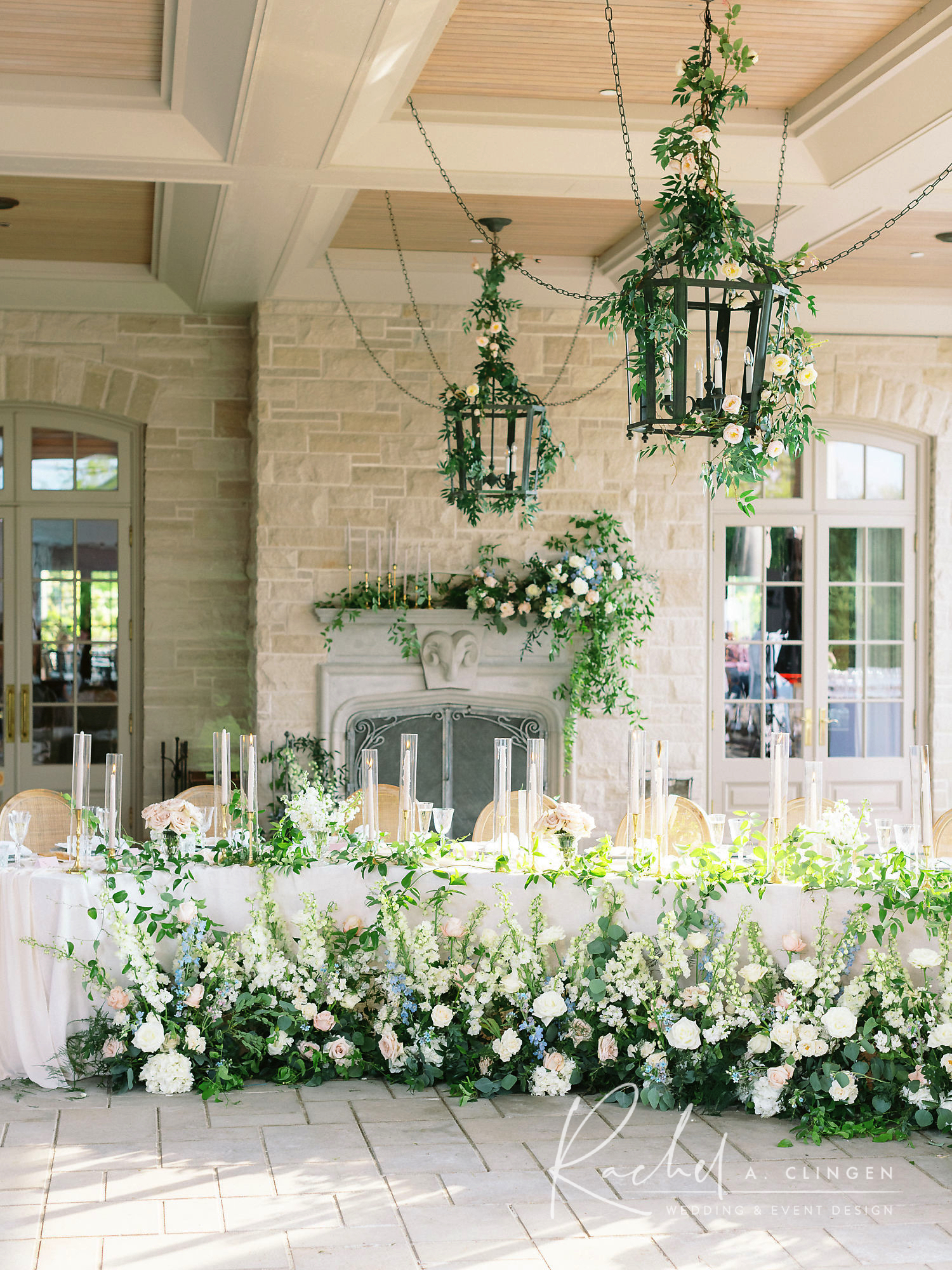 magna golf wedding flowers