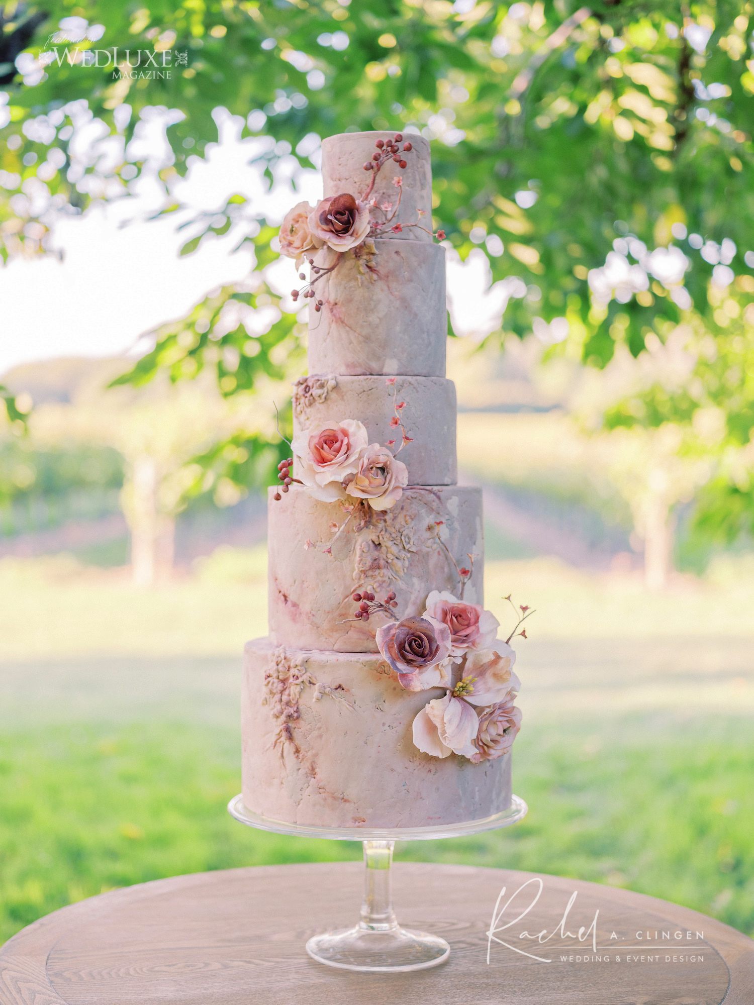 summer outdoor wedding cake