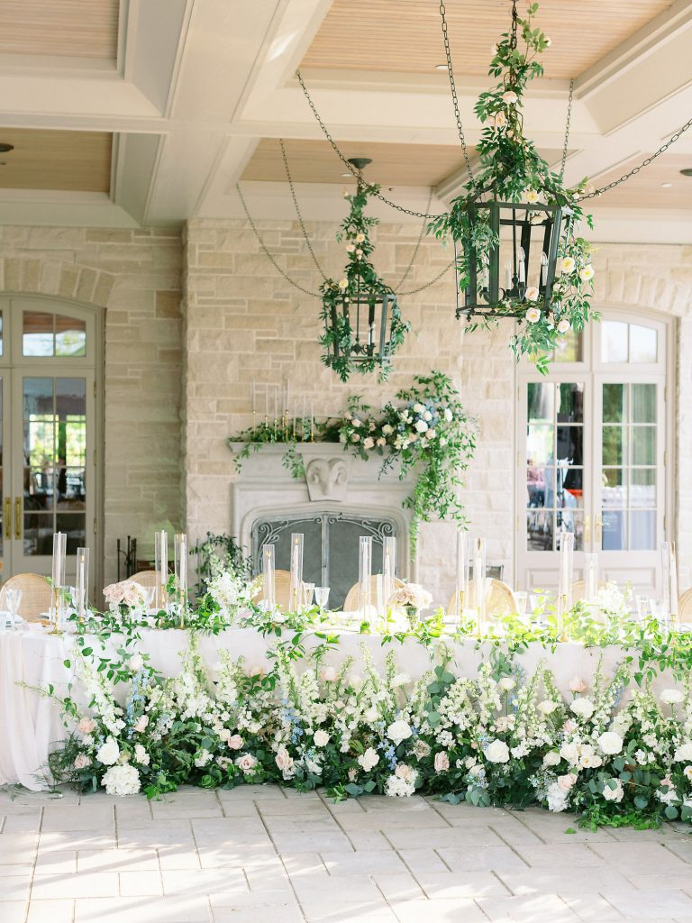 organic wedding flowers headtable