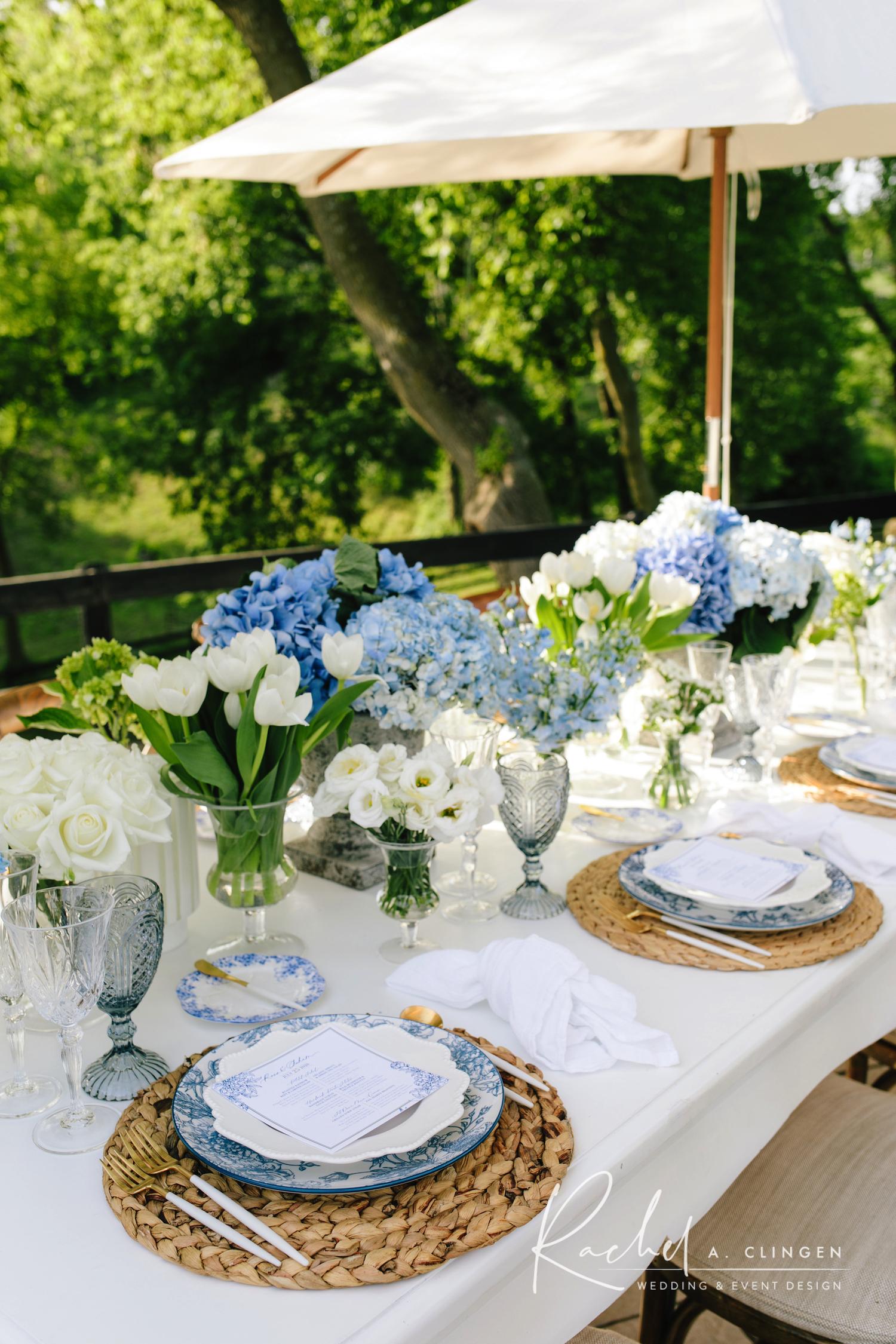 blue white tablescape