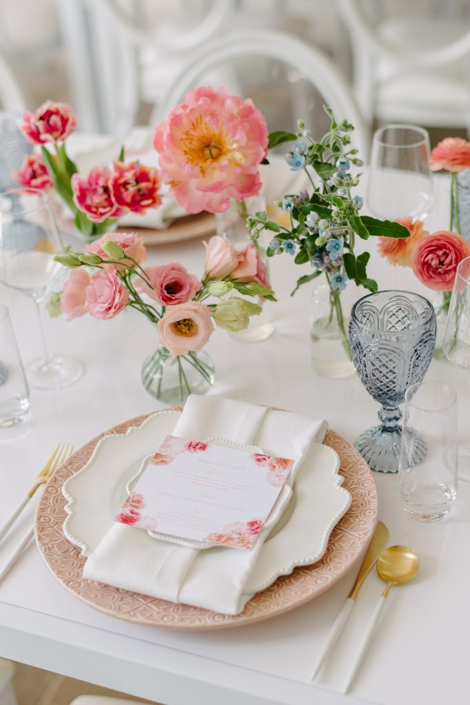 bridal shower placesetting flowers